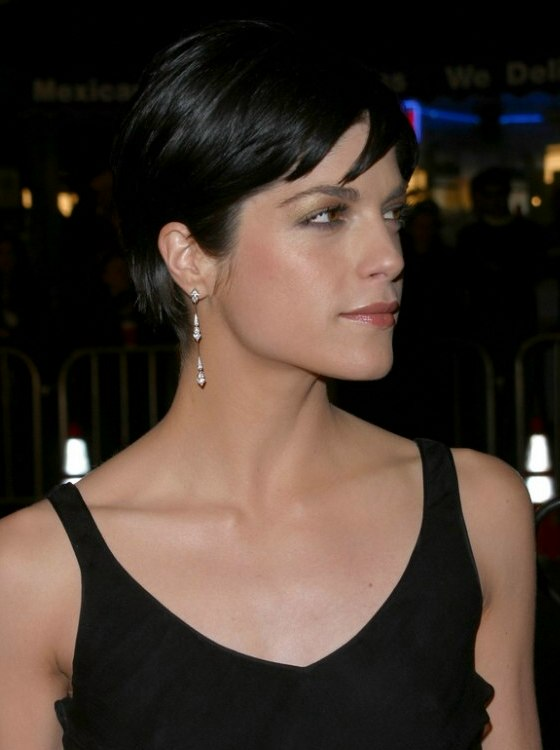 Selma Blairs short hair that exhibits her eyes jaw line and cheekbones