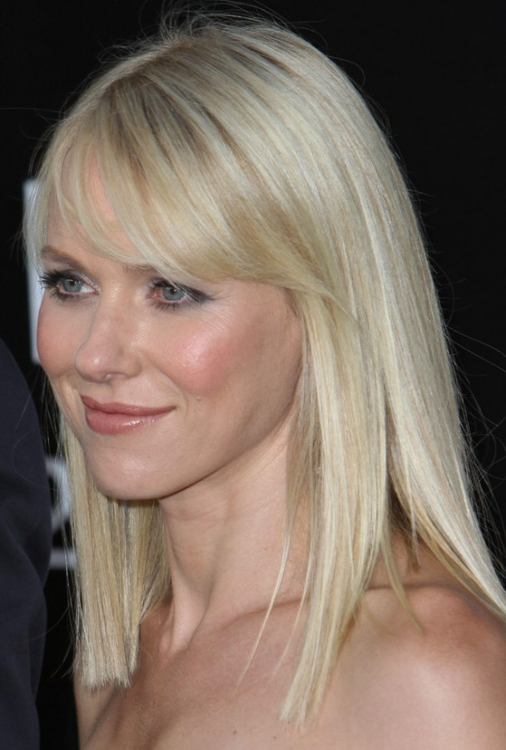 Naomi Watts Below The Shoulders Blunt Cut That Makes Her