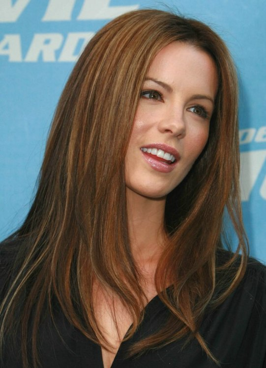 Kate Beckinsales Long Straight Auburn Hair With