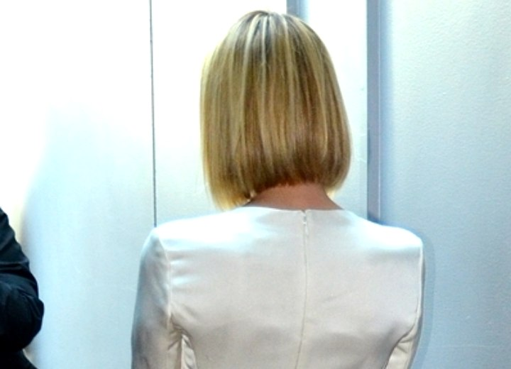 Emma Roberts  Long sleek bob with rounded layers and beveled ends