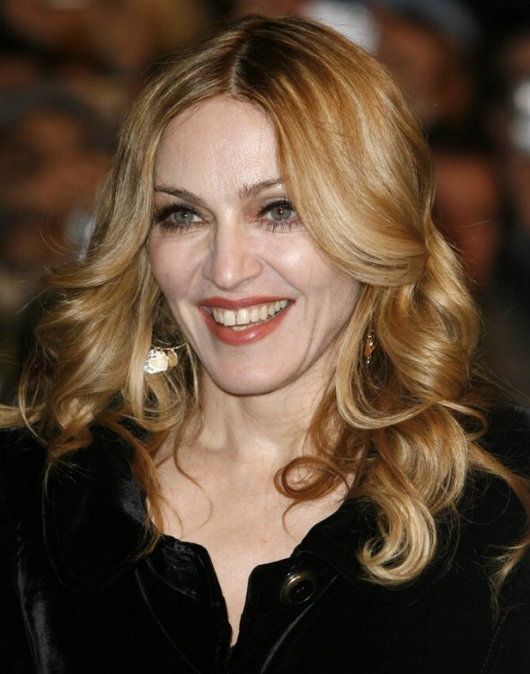 Madonna Wearing Her Long Blonde Hair With Foiled Colors