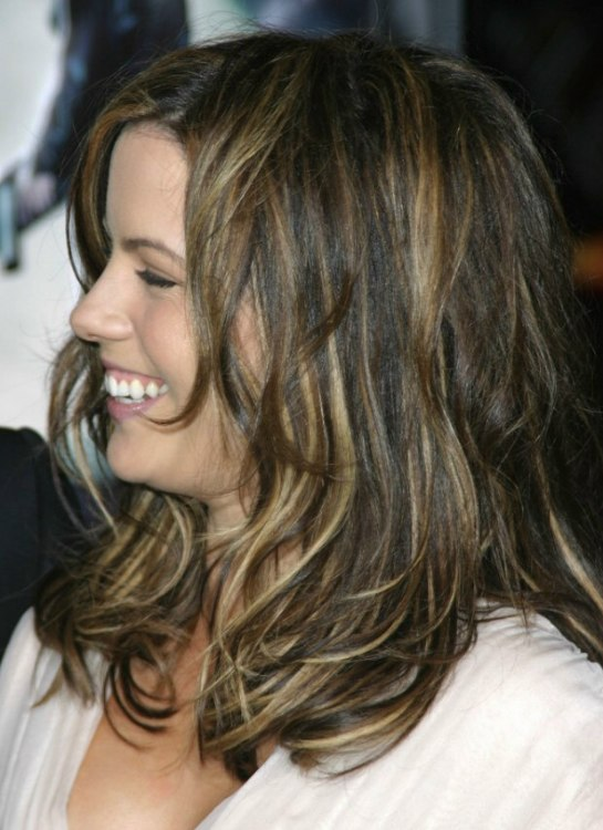 Kate Beckinsales Tousled Hair With Multiple Colors