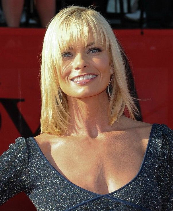 Jaime Presslys Medium Length Hairstyle For A Square Jaw