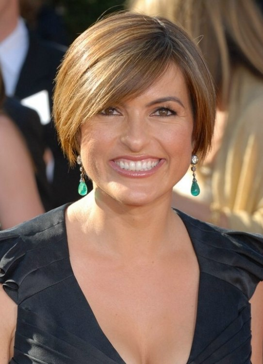 Mariska Hargitays short and sporty head hugging hairstyle