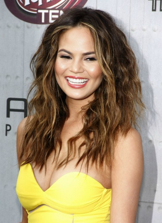 Chrissy Teigen  Long ombre hair with slightly messy mediumsized curls