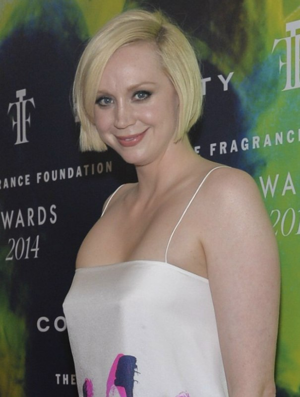 Gwendoline Christie  Short and slightly curved bob for thin hair