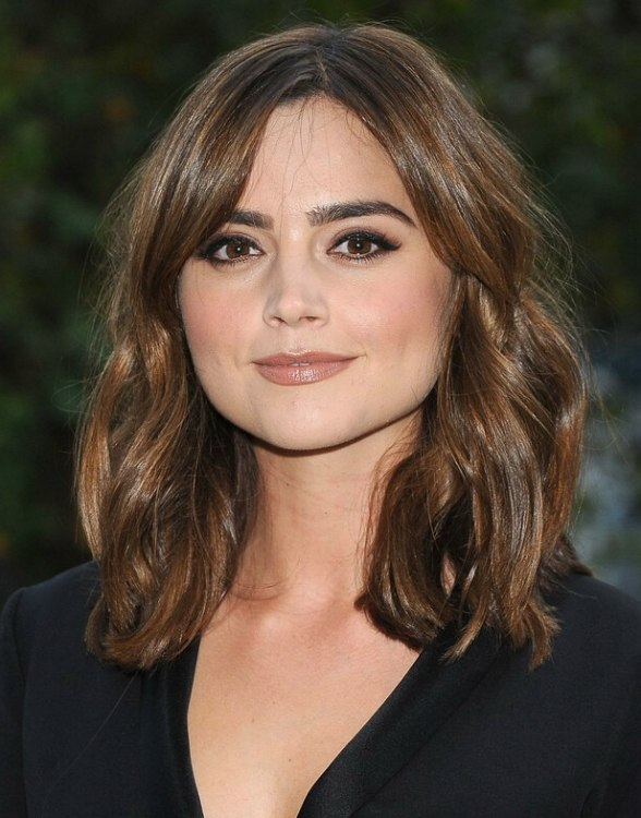 Jenna Coleman  Easy shoulderlength hair with loose waves