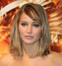 Jennifer Lawrence | Hair coloring with a root boost