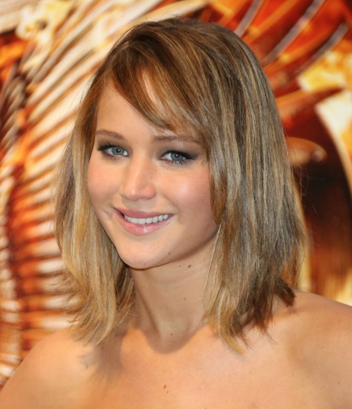 Jennifer Lawrence Hair Coloring With A Root Boost