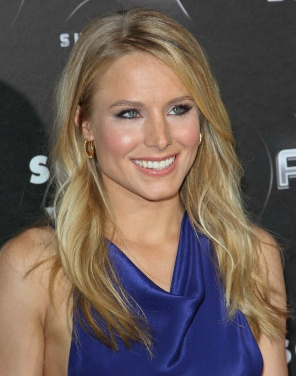 Kristen Bell Bust Line Length Loose Blonde Hair With A