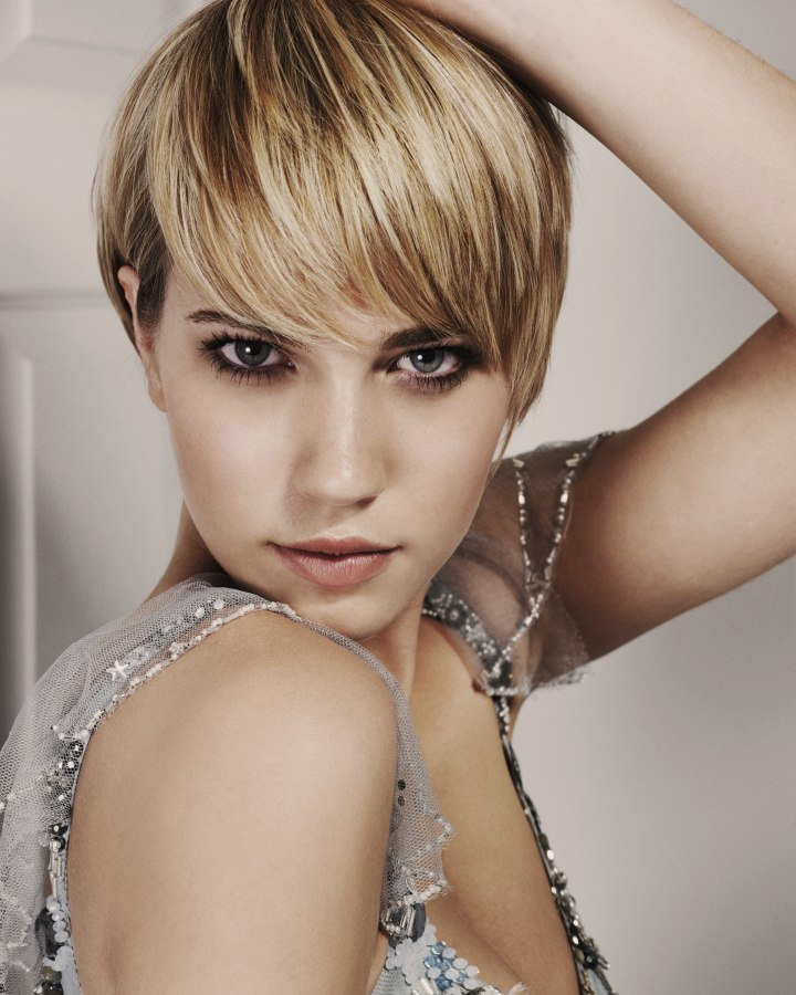 Sophisticated and sporty short hairstyle