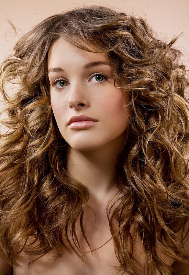Long Layered Haircut With Scrunching For Wavy Haired Types