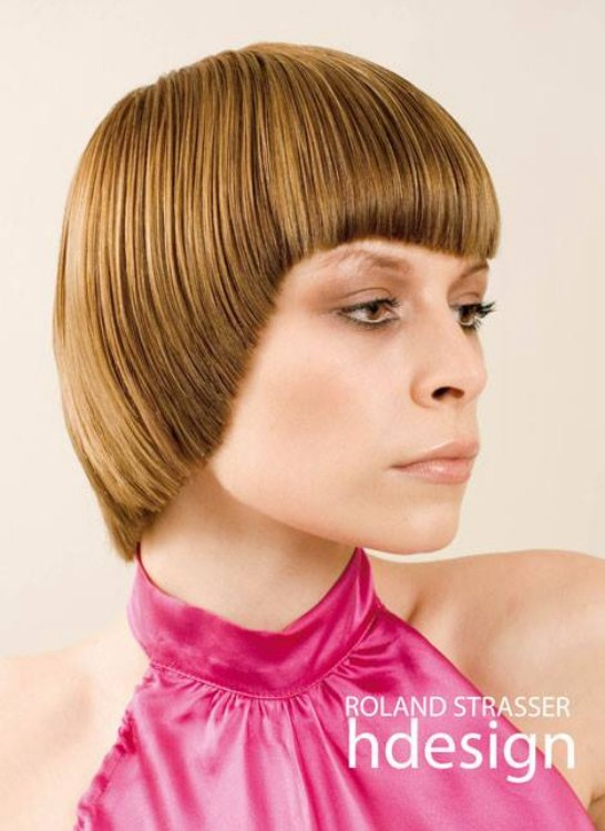 Mireille Matthieu Look Hairstyle With Rounded Corners