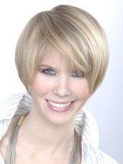 women's hair cut ear length