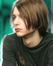 longer men's hairstyle