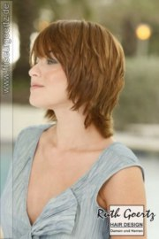 carefree collar length hairstyle