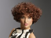 short hairstyle with wedge shape