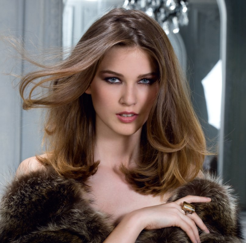 Simple one length hairstyle with flowing curves  Over the
