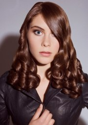 long auburn hairstyle with satin-smooth