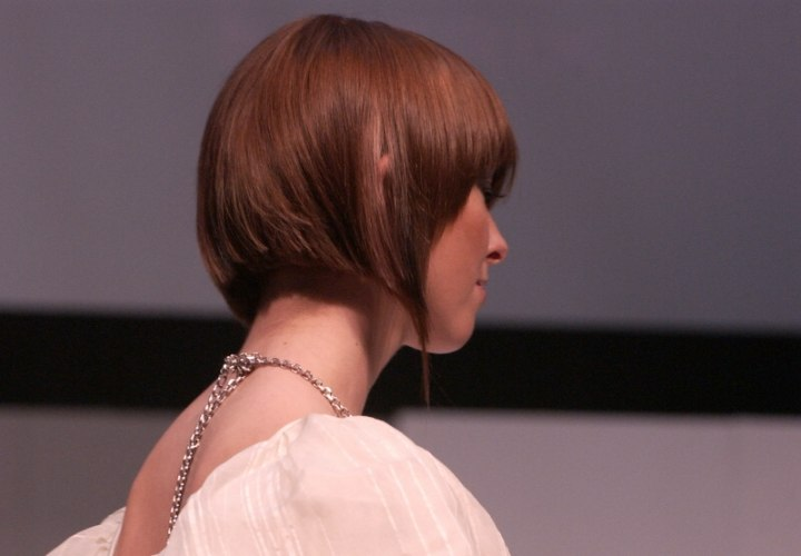 Short Bob Tapered In The Front And Beveled In The Back