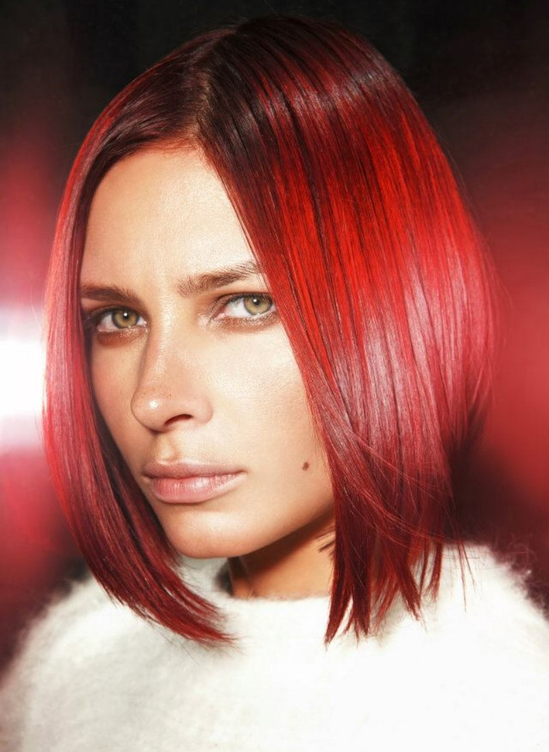 Red Medium Long Bob With Texture In The Cutting Line