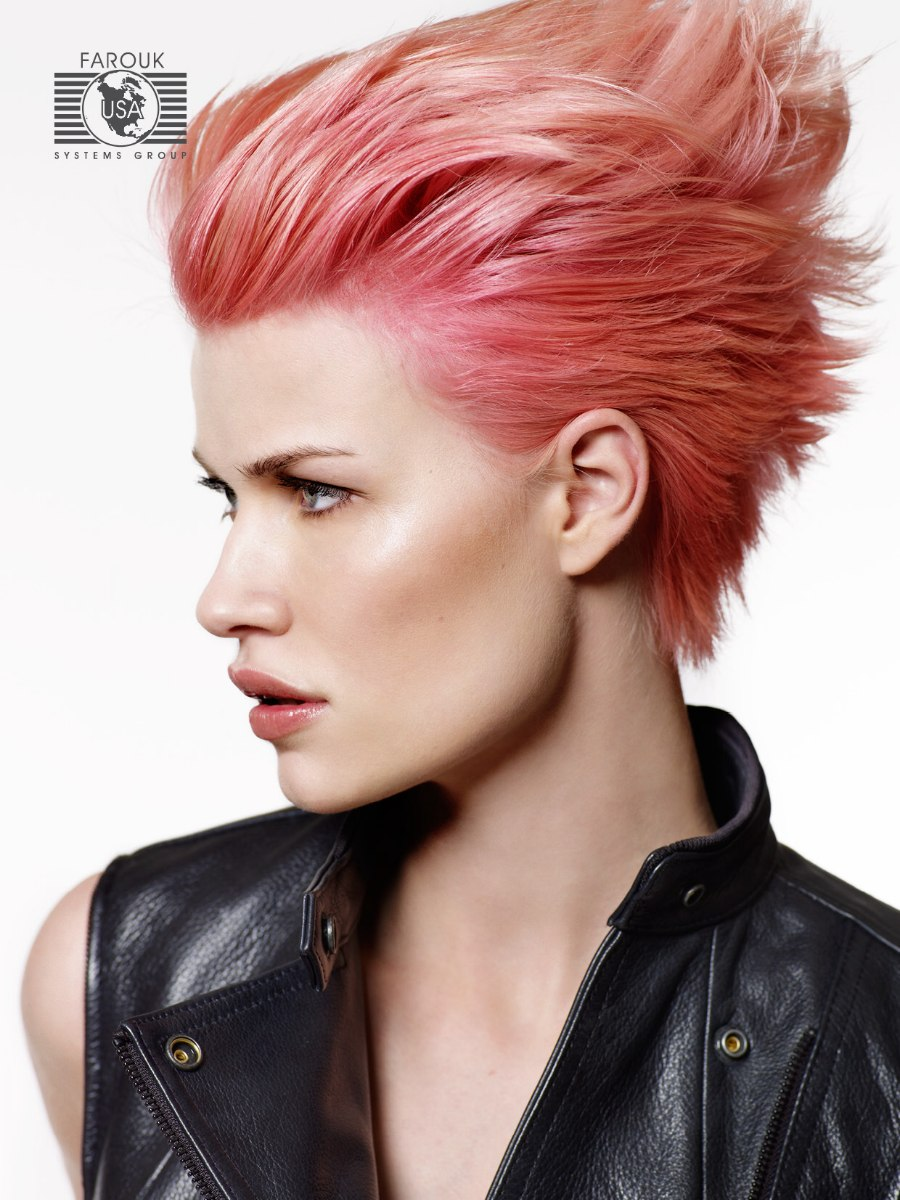 Short hair with a rose color worn punky or with the hair drawn towards the face