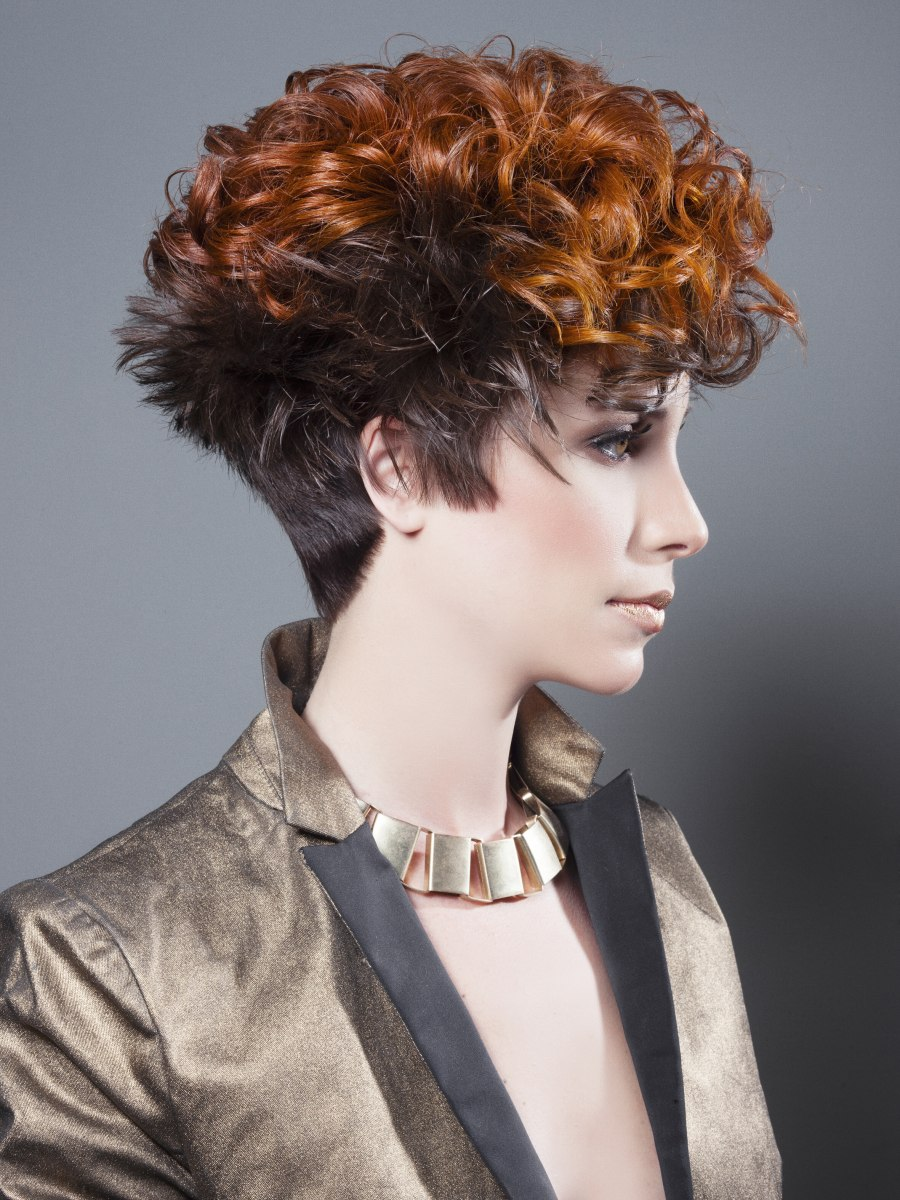 Short hairstyle with a steep neckline and contrasts in cut