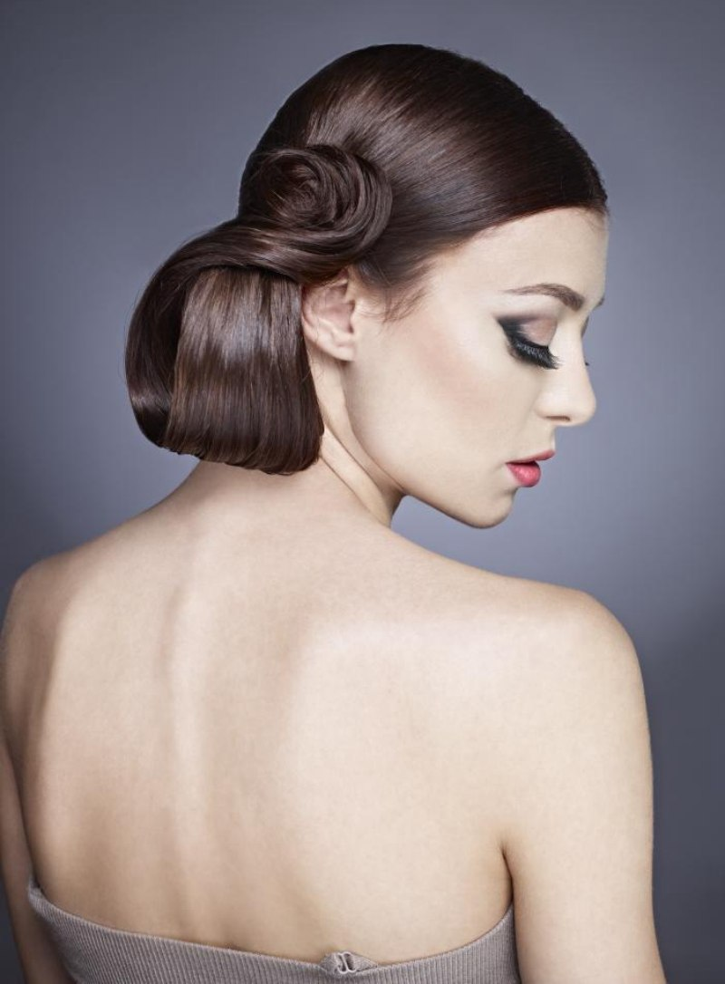 Up Style With A Tight And Smooth Side Pony Tail