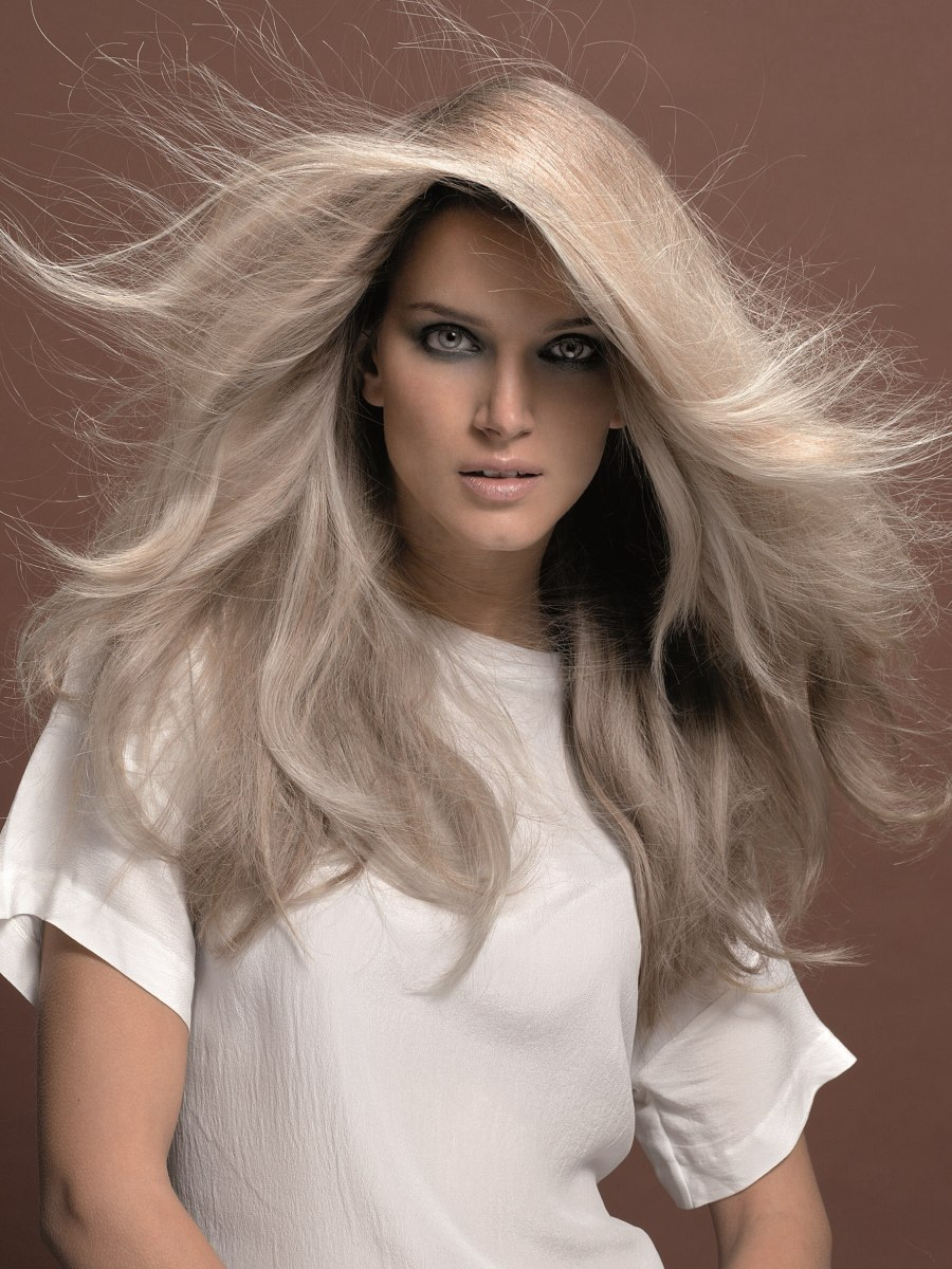 Mid Back Long Platinum Blonde Hair With Large Layers