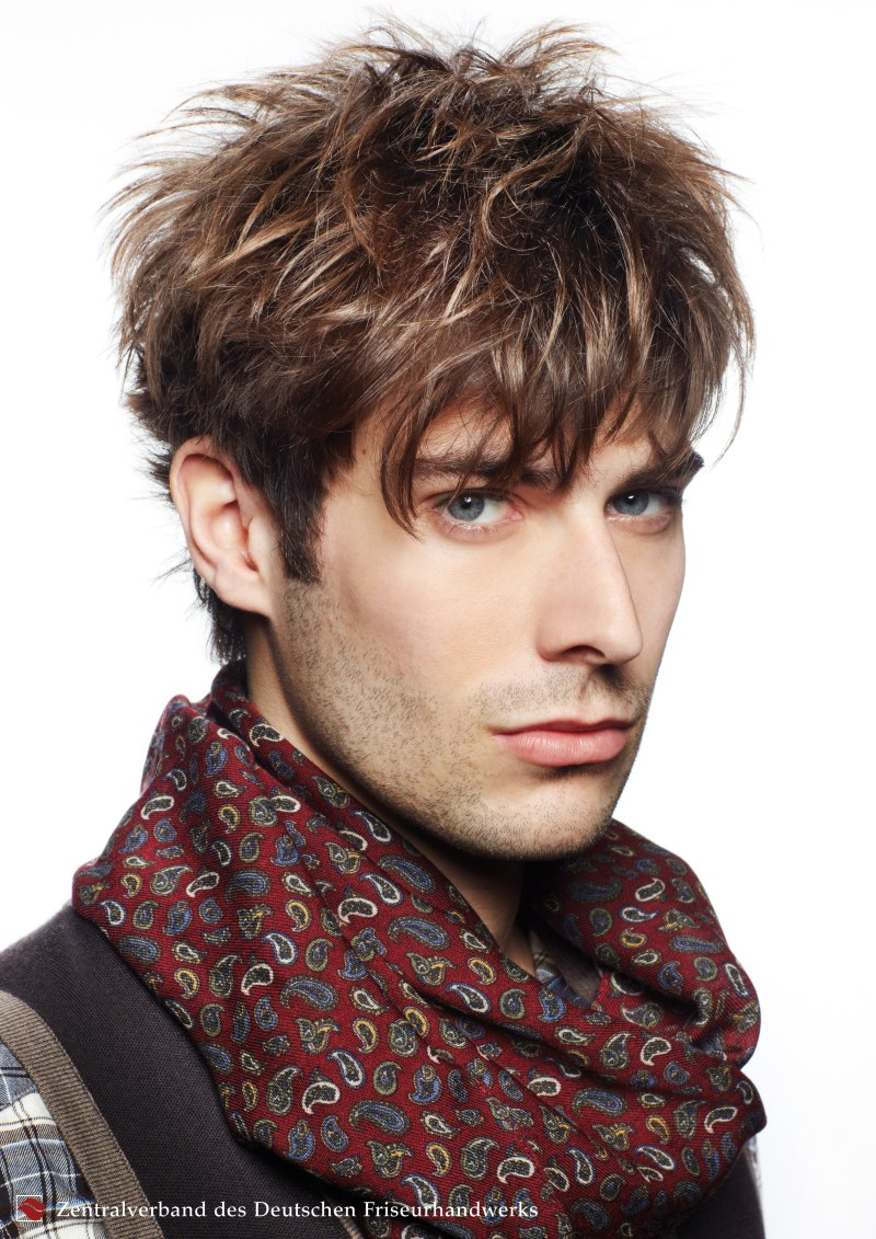 Mens hair with light blonde highlights and darker brown