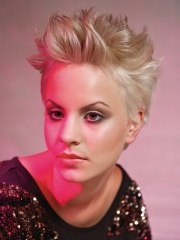 glamorous short hairstyle