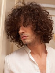 men's hairstyle with large curls