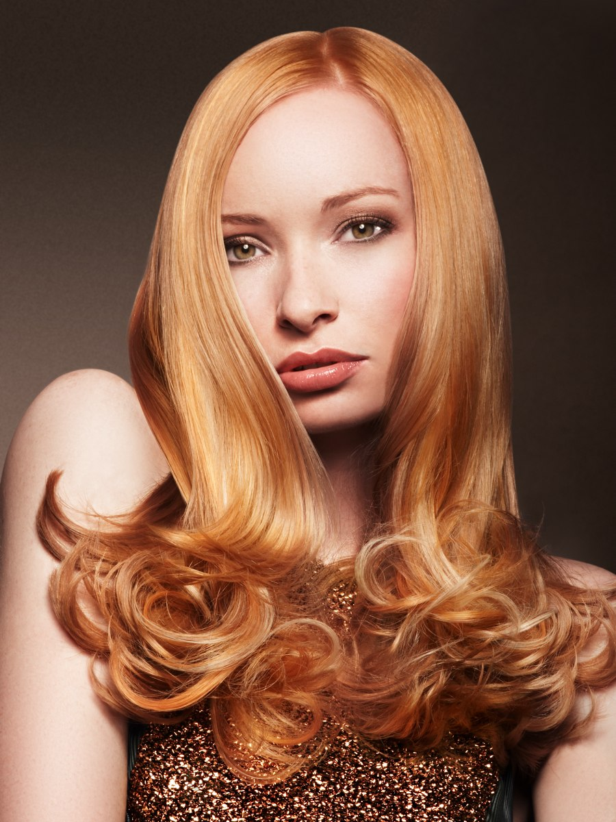 Long hair with rounded curls in the tips for a ladylike look