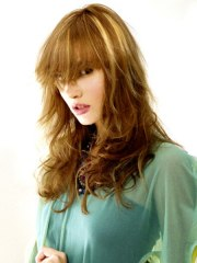 hairstyle with long bangs and wild