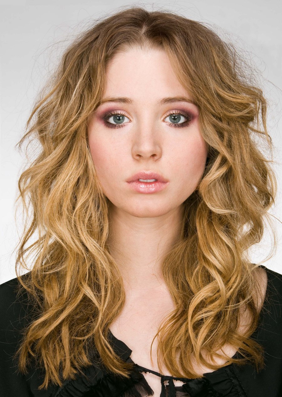 Long Hairstyle With Romantic Curls Slightly Tousled And