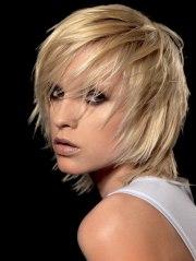 shag hairstyle with razor-cut layering