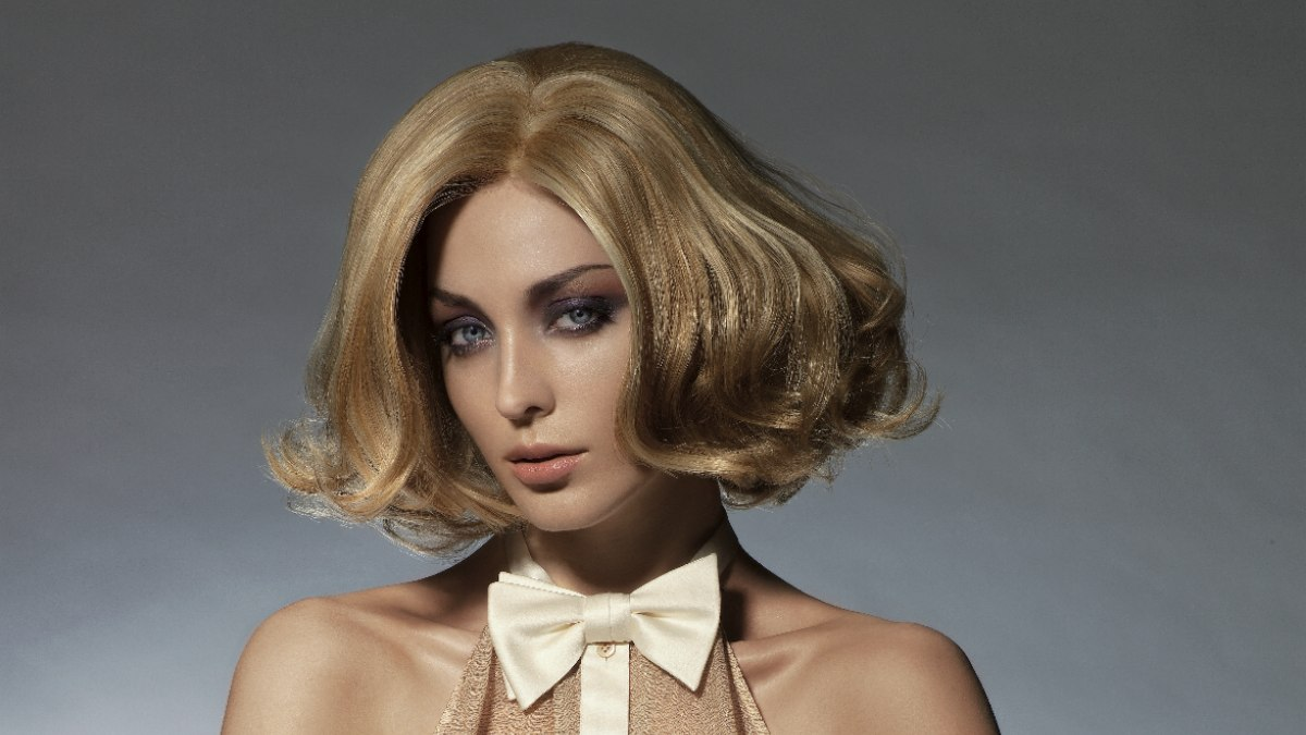 Seventies bob hairstyle with waves and fullvolume styling