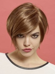 short bob hairstyle with jaw length