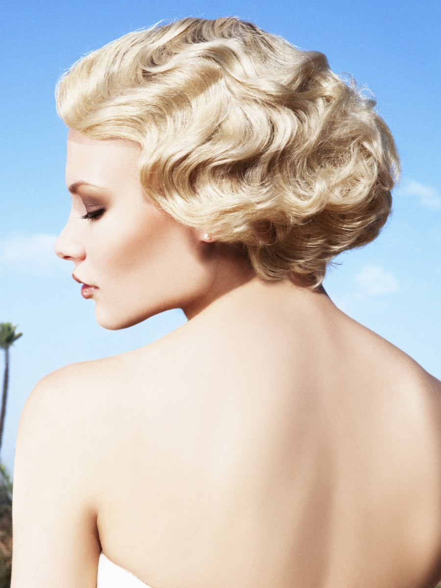 Short bob hairstyle with vintage water waves