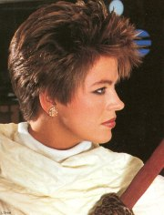 short and spiky 80s hairstyle