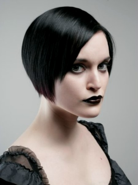 Striking And Glamorous Short Gothic Hairstyle
