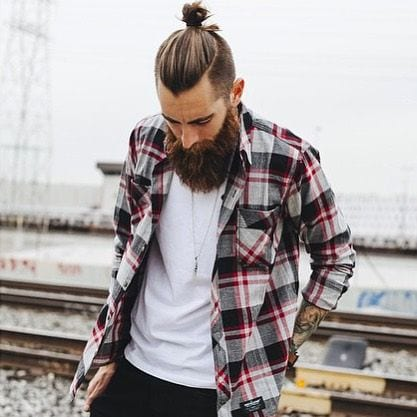 Topknot-hairstyle-is-the-best-example-of-hipster-haircut-for-men