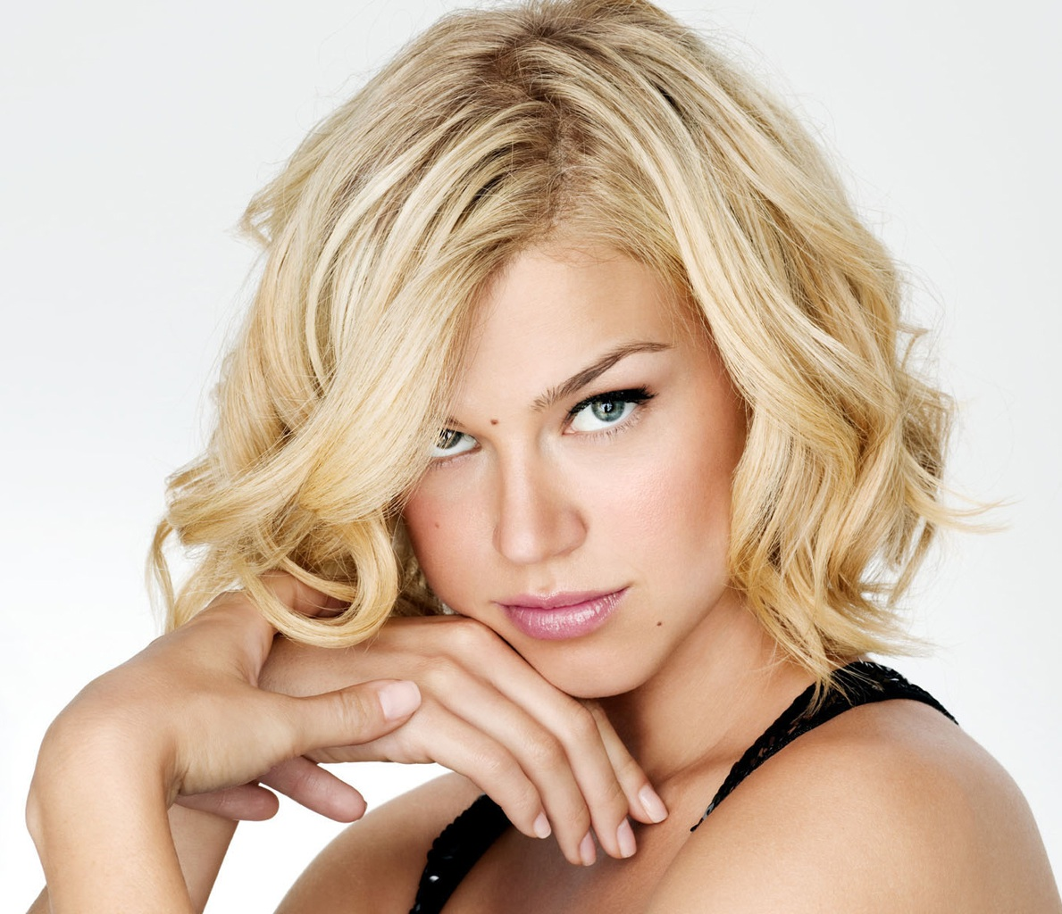 Best Hairstyle for Long Faces  Hairstyle Archives