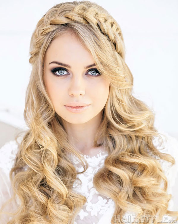 Braided Hairstyle for Long Wavy Hair