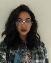 light wavy hair plain style