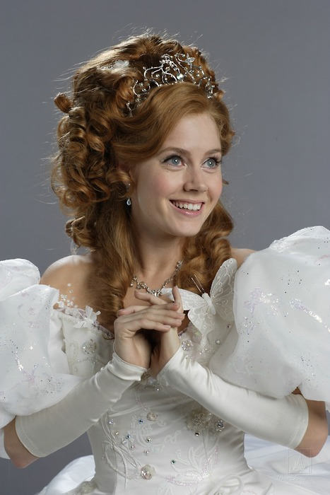 Amy Adams Auburn Queen Hairstyle