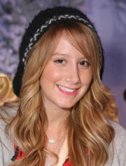 ashley tisdale curly hairstyle