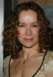 jennifer grey with curly haircut
