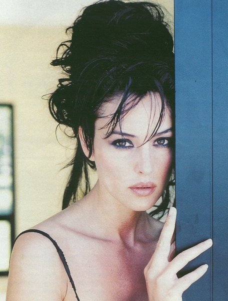 Monica Bellucci High Updo Hairstyle