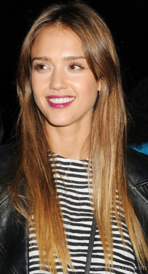 Jessica Alba Straight Haircut For Round Face